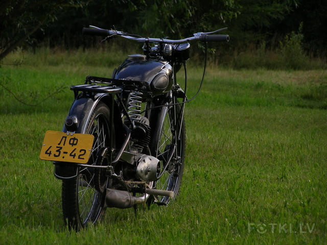 http://photos.fotki.lv/photos/4/W0002357/000235690/000023568918_%23_2_%23_motociklistins.jpg