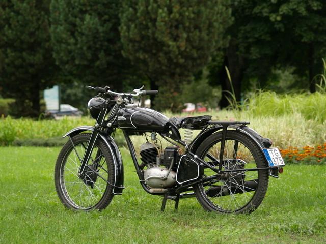 http://photos.fotki.lv/photos/4/W0002357/000235691/000023569041_%23_2_%23_motociklistins.jpg
