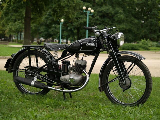 http://photos.fotki.lv/photos/4/W0002357/000235691/000023569043_%23_2_%23_motociklistins.jpg