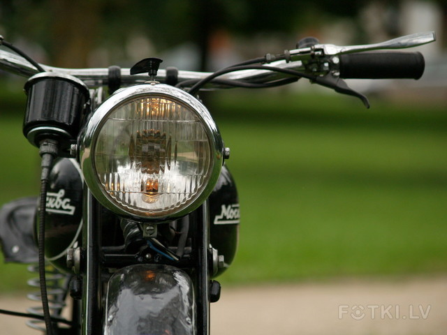 http://photos.fotki.lv/photos/4/W0002357/000235691/000023569047_%23_2_%23_motociklistins.jpg